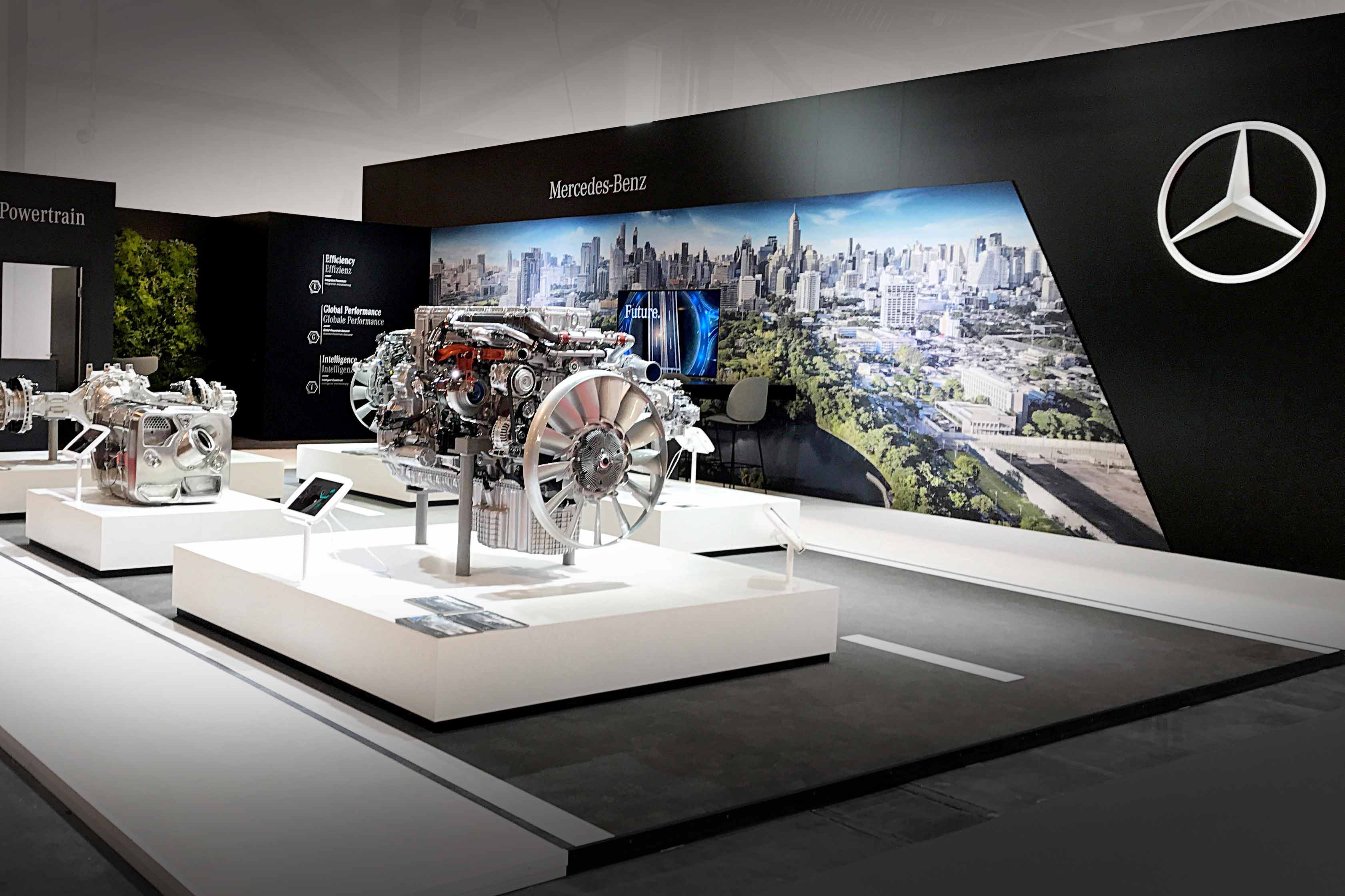 Mercedes-Benz Powertrain Messestand | Automotive